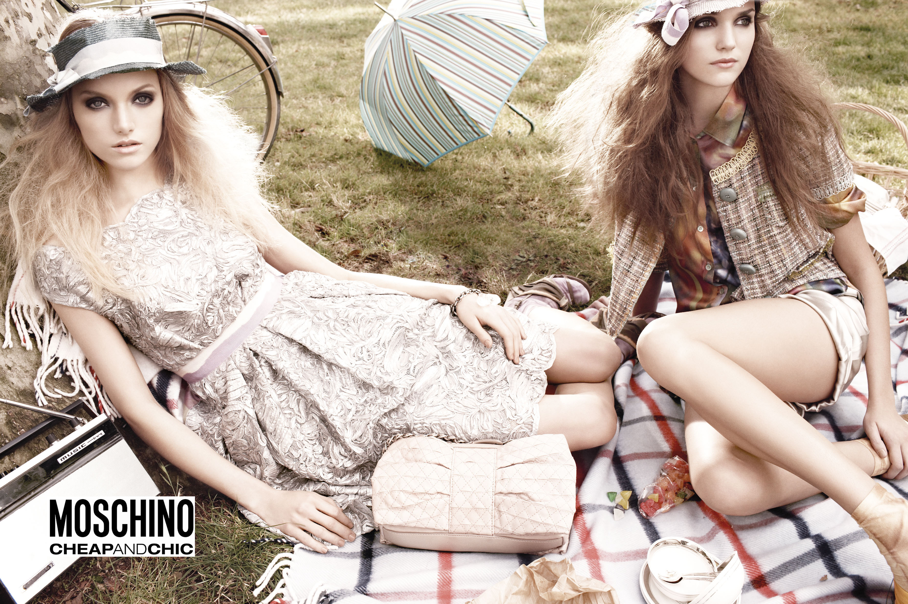Moschino Cheap and Chic SS 2009 | Tom Munro | Moschino | Numerique Retouch Photo Retouching Studio