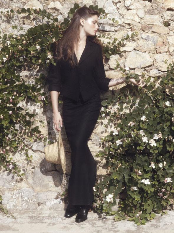 "Elle Italia October 2011 ""Bonton black&white"" | Carlotta Manaigo | Elle Italia | Benedetta dell'Orto | Numerique Retouch Photo Retouching Studio"
