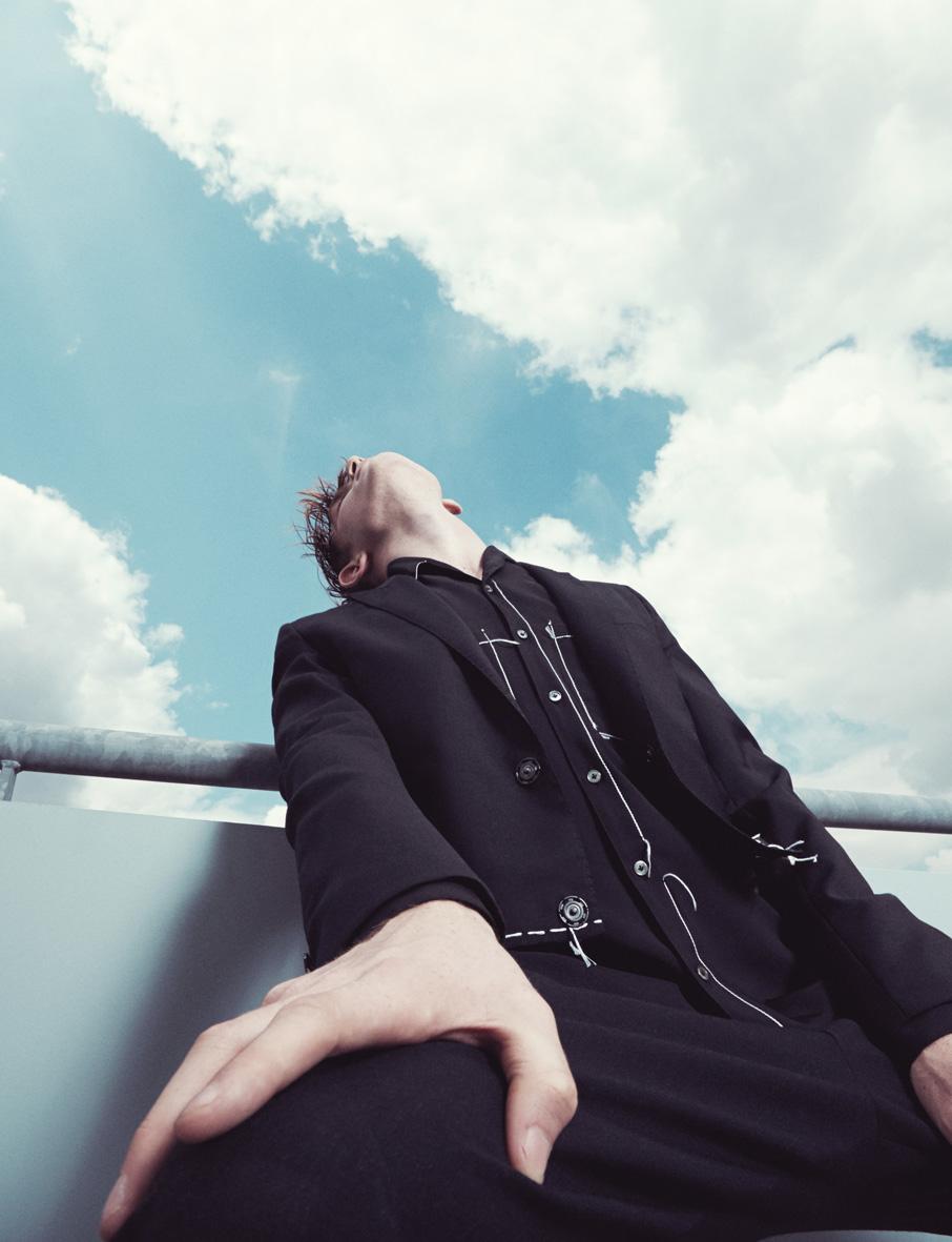 10 Men Magazine issue 40 Winter 2014 | Alessio Bolzoni | 10 Men Magazine | Numerique Retouch Photo Retouching Studio
