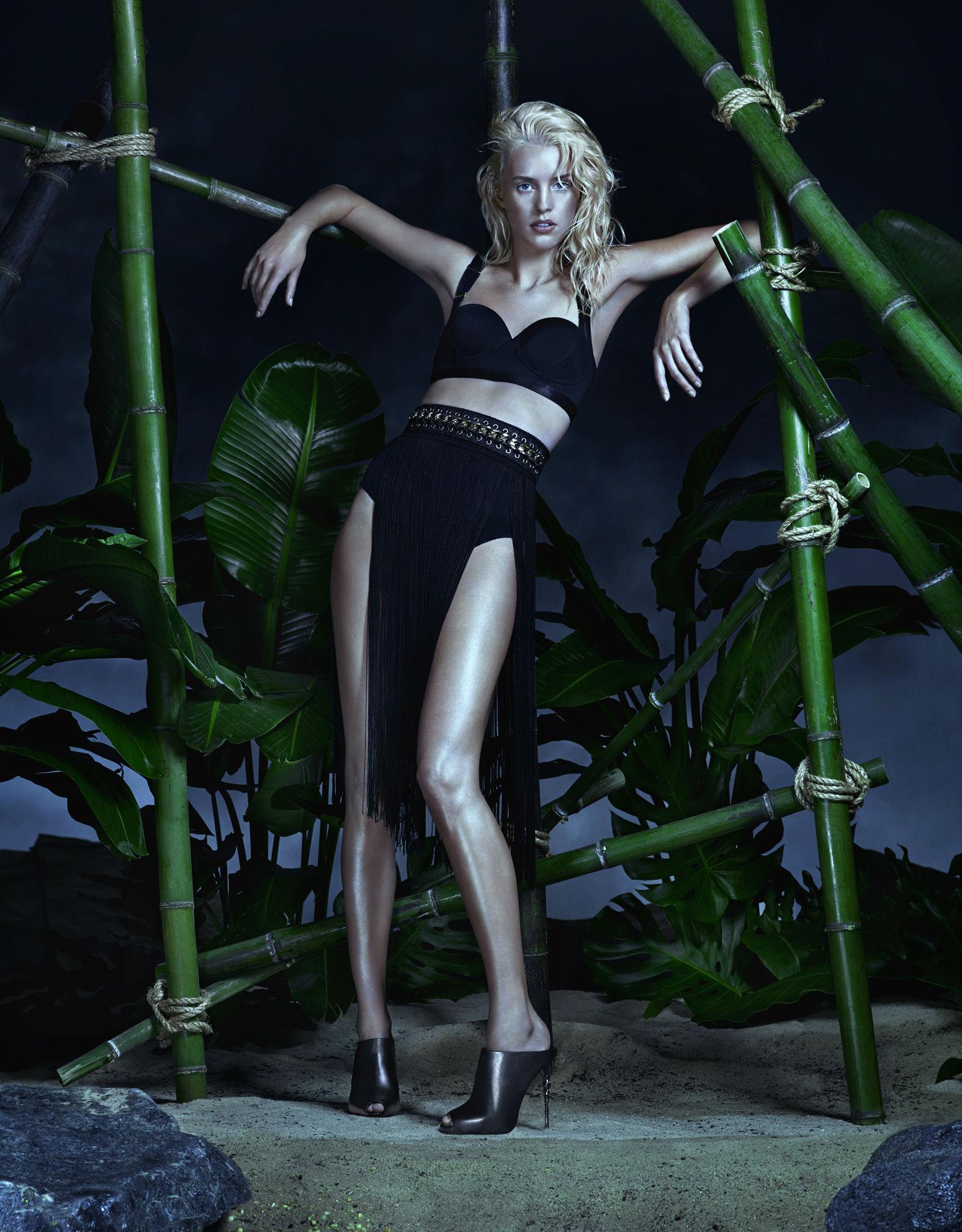 Le Silla SS 2015 Campaign | Camilla Akrans | Le Silla | Numerique Retouch Photo Retouching Studio