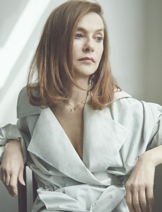 "L'Express Winter 2015 ""Isabelle Huppert"" 