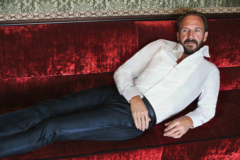 "GQ Italia December 2015 ""Ralph Fiennes"" | Francesco Bertola | GQ Italia | Numerique Retouch Photo Retouching Studio"