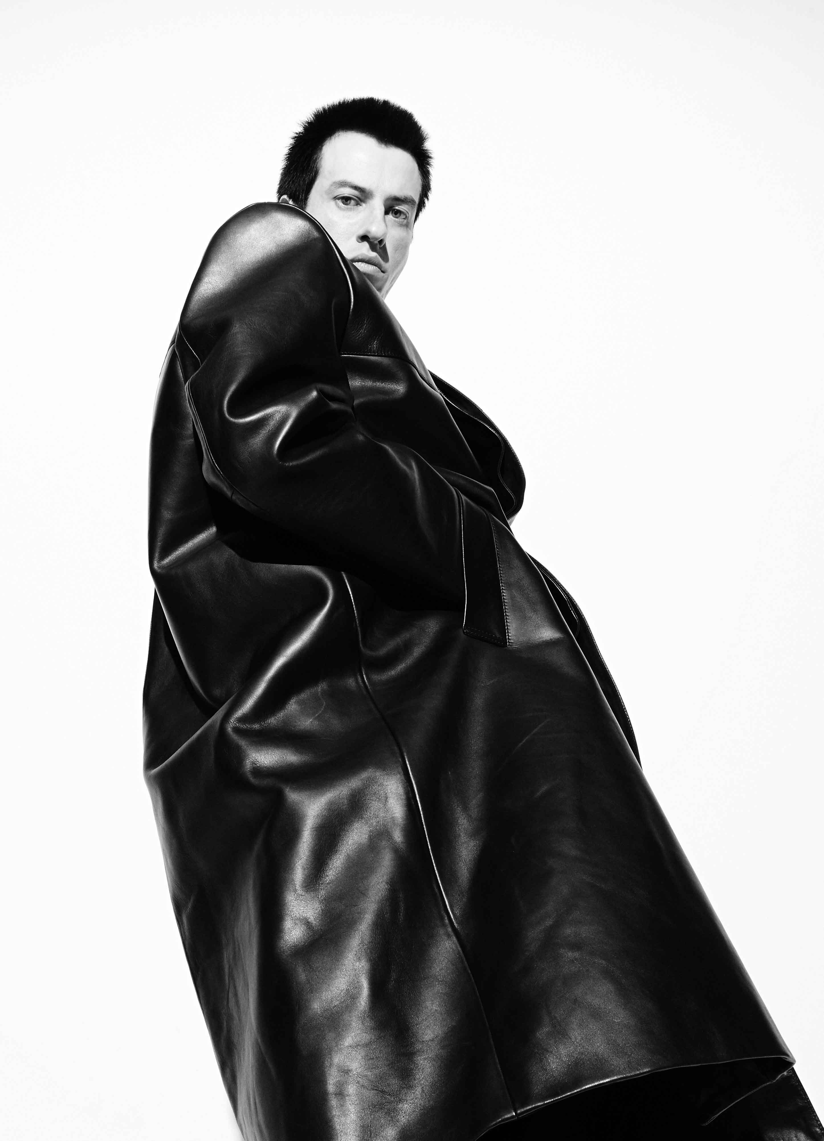 "Office Magazine Issue 05 ""The Surly Bonds"" | Alessio Bolzoni | Office Magazine | Hector Castro | Numerique Retouch Photo Retouching Studio"