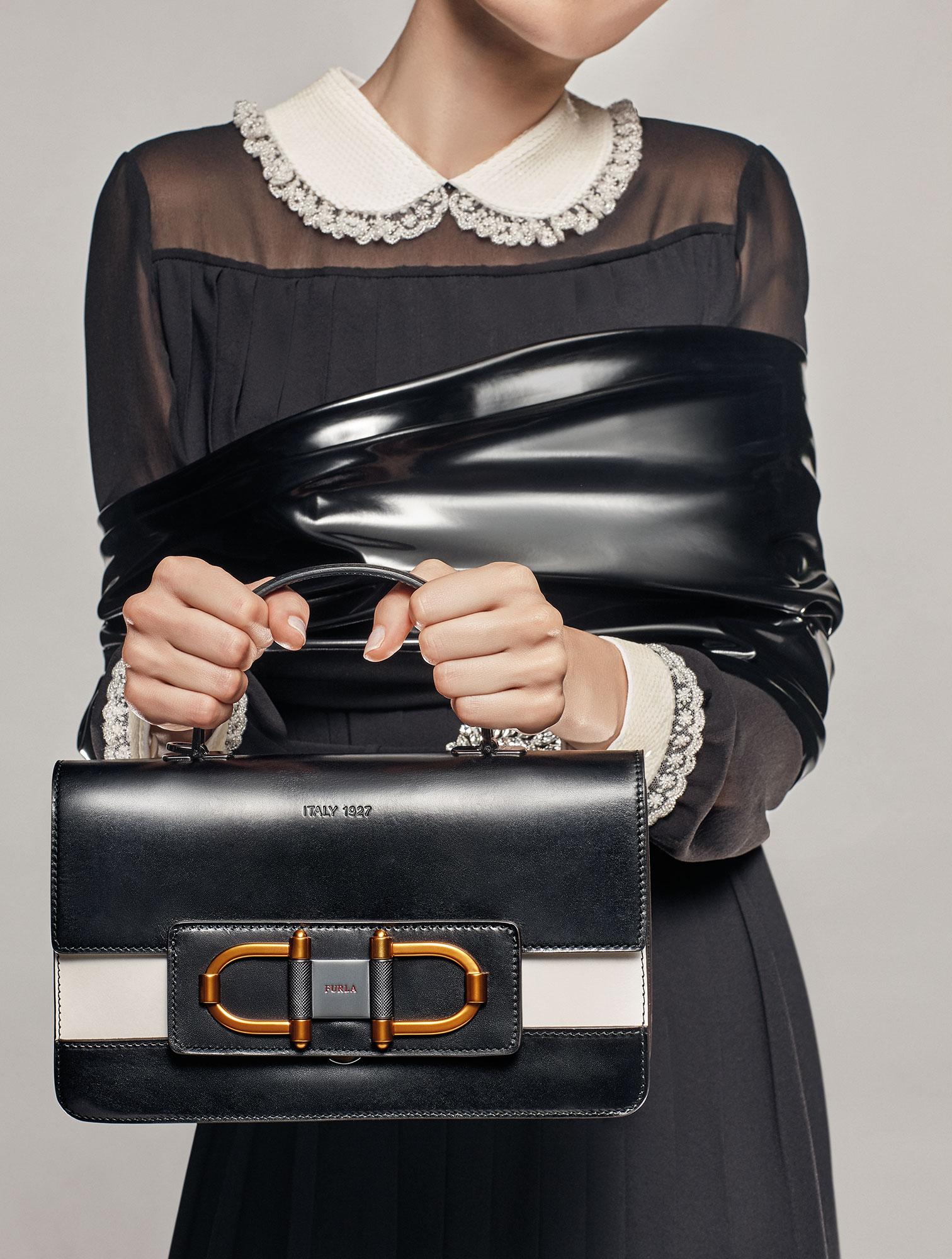 Io Donna Accessori 2018   Roberto Manzotti   IO donna   Numerique Retouch Photo Retouching Studio