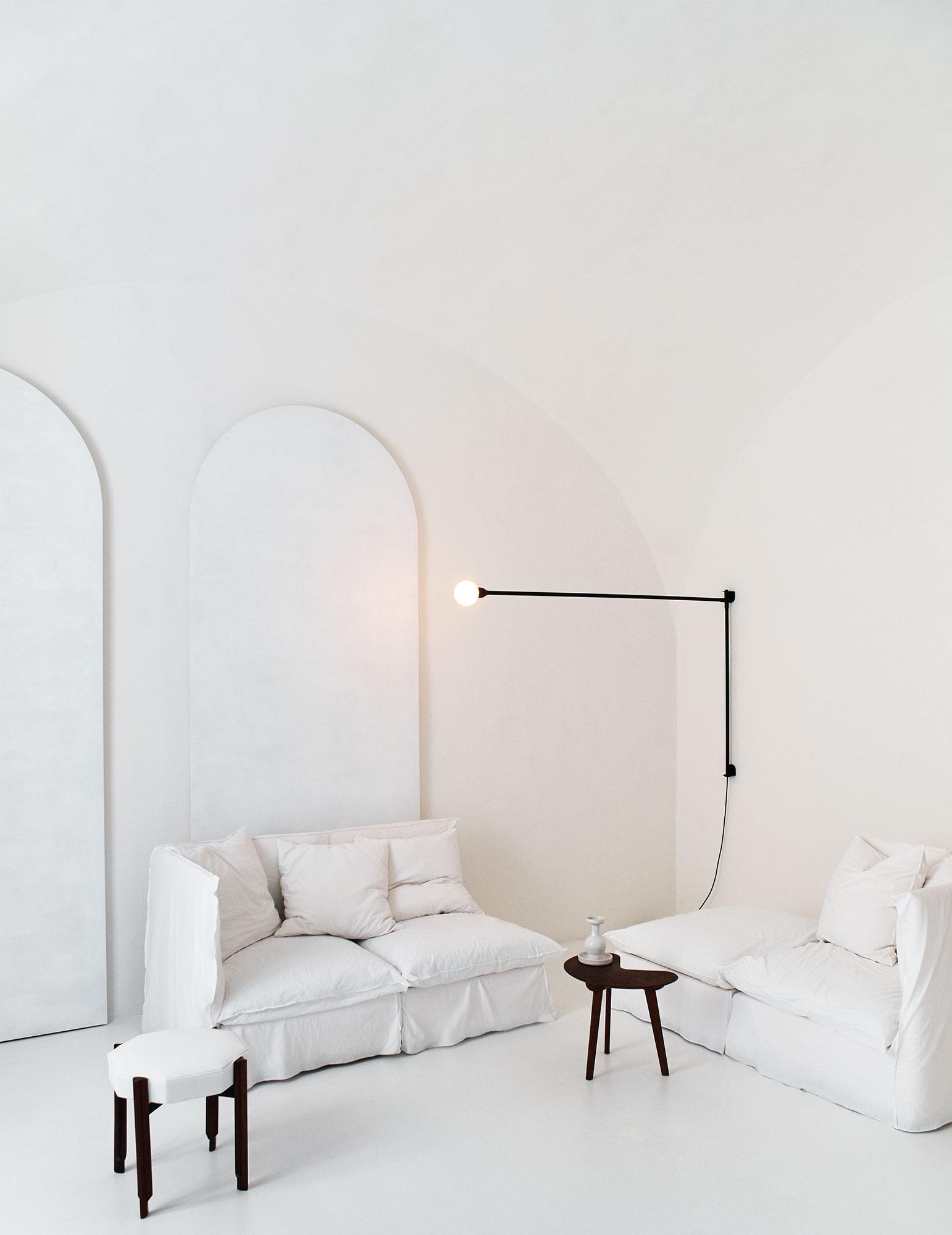 "Elle Decor July 2018 ""Bianco assoluto"" | Andrea Ferrari | Mango | Elle Decor | Nicolò Andreoni | Numerique Retouch Photo Retouching Studio"