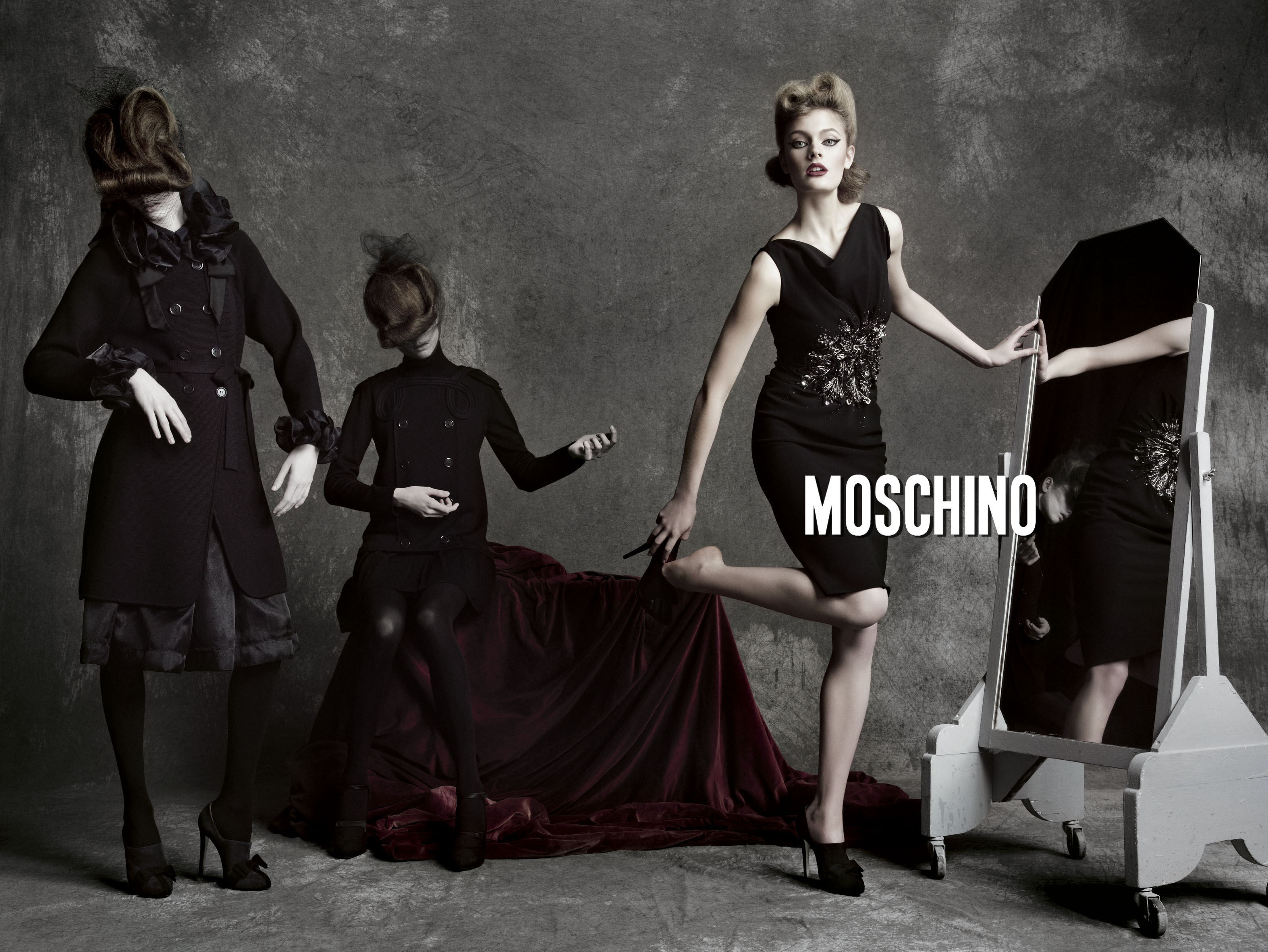 Moschino Fall 2009 | Tom Munro | Moschino | Rolling Stone Italia | Simona Melegari | Numerique Retouch Photo Retouching Studio