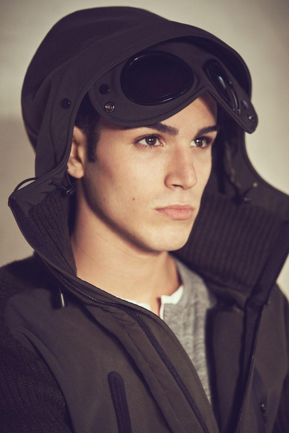 "QG Italia December 2016 ""Nicola Bartolini"" | Tim Clark | GQ Italia | Andrea Tenerani | Numerique Retouch Photo Retouching Studio"